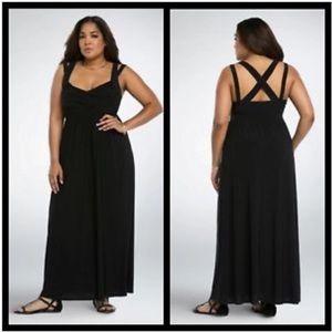 NWT Torrid Crisscross Back Maxi Dress